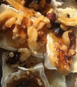 Brie, Walnut & Honey Sandwich Picnic