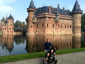 The boys in front of Kasteel De Haar