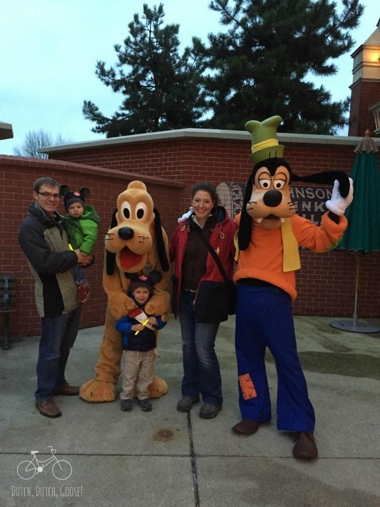 Goofy & Pluto at Disneland Paris