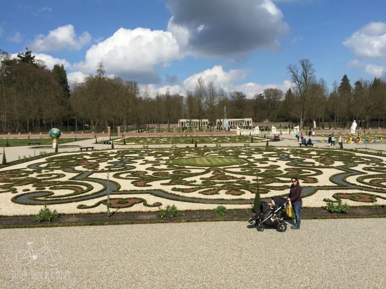 Het Loo Garden with Stroller