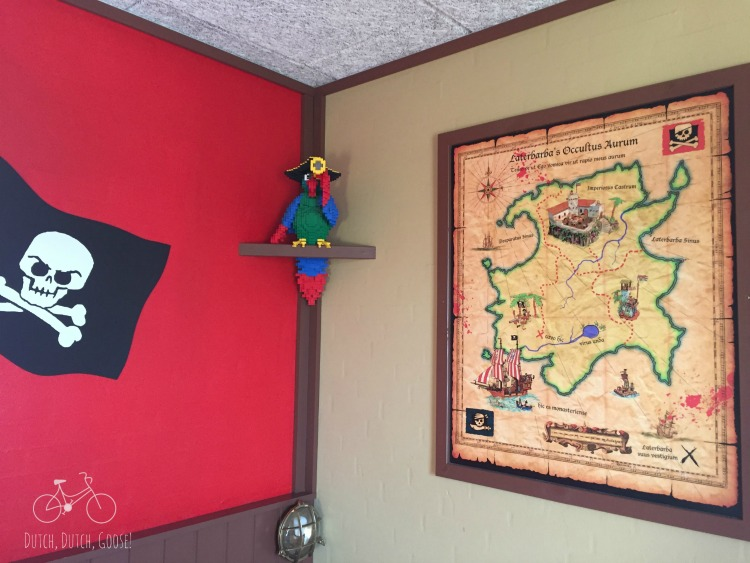 Legoland Pirate Room Details