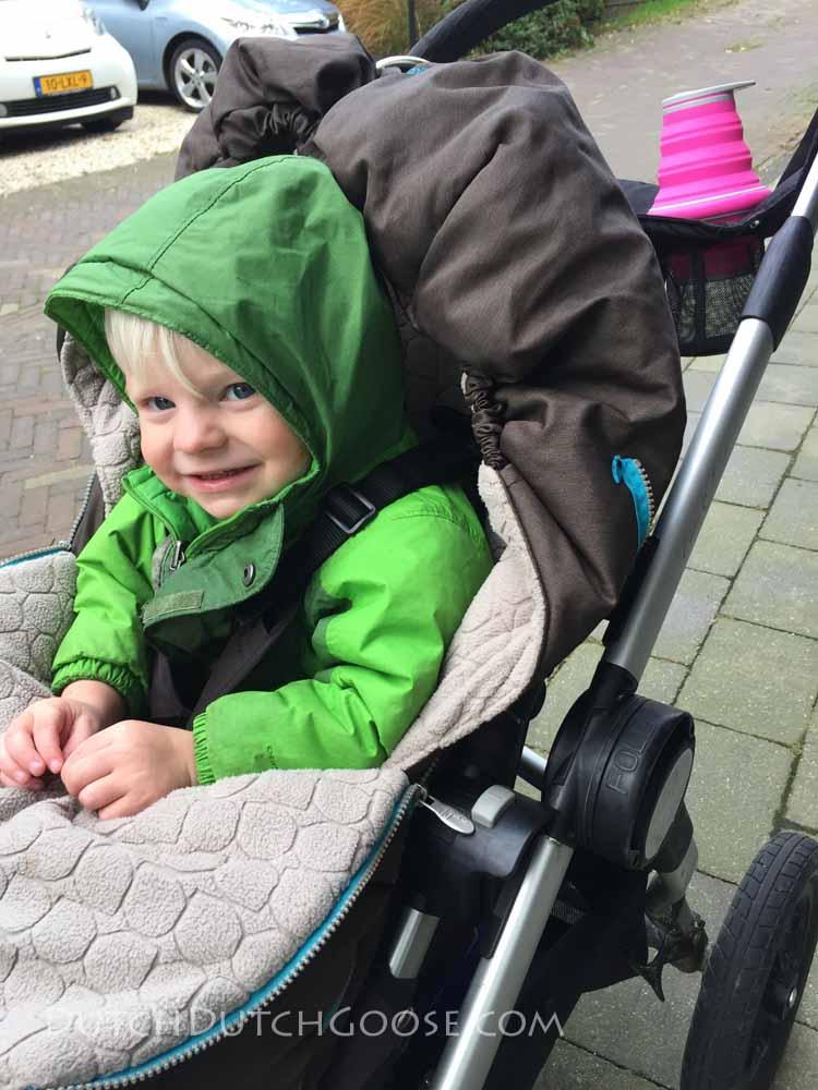 hydeaway-on-stroller-cupholder